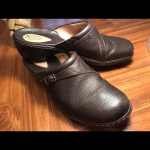 Clarks Artisan collection Leather Clogs 9.5 M